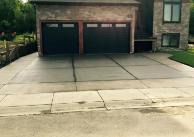 Driveway With Light Border and Dark Interior
